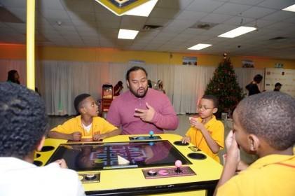 moore_family_christmas_20121211_1292
